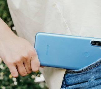 New Samsung Galaxy in pocket